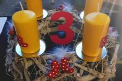 http://www.ulrikearabella.de/2020/12/03/hennis-blog-adventkalender-2020-tuerchen-3/